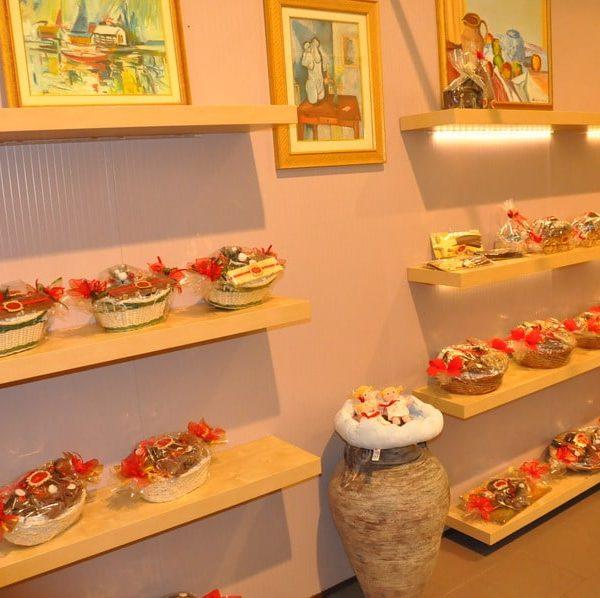 showroom-natalizio-cioccolato-artigianale-dolciaria-tina3
