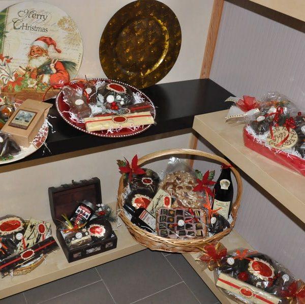 showroom-natalizio-cioccolato-artigianale-dolciaria-tina6