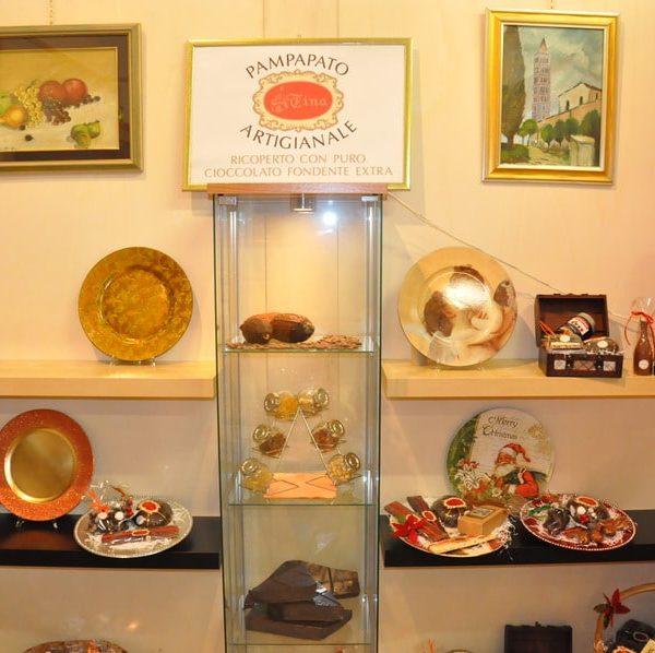 showroom-natalizio-cioccolato-artigianale-dolciaria-tina7